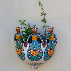 3 Lady Wall Planter